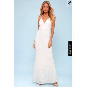 NWOT Lulu's lace maxi gown size medium